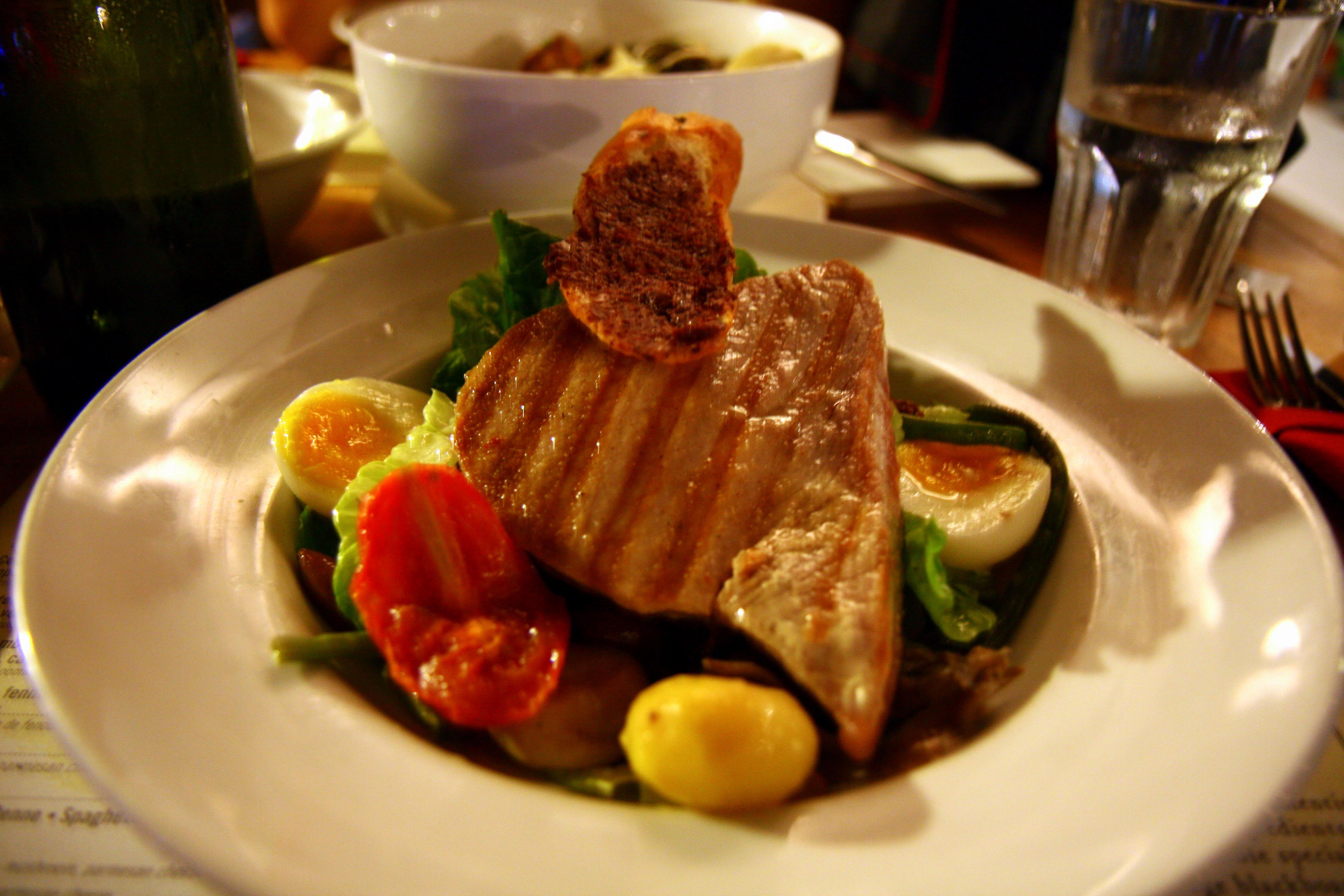 ... de thon, salade nicoise – seared tuna with nicoise salad – $29